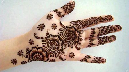 [تصویر:  henna-tattoos21-e1.jpg]