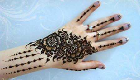[تصویر:  henna-tattoos7-e2.jpg]