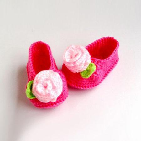 مدل جوراب و کفش های بافتنی بچه گانه 2014