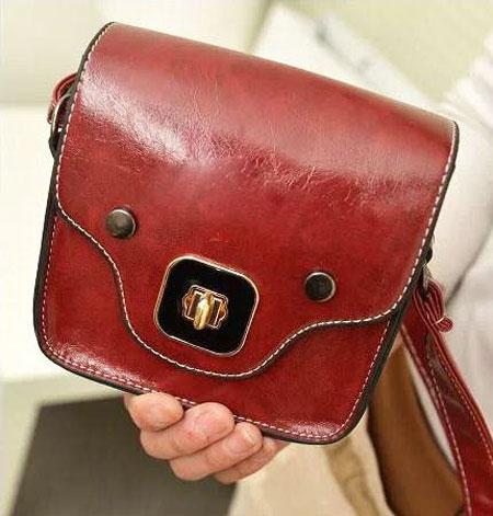 کیف های زنانه رنگ سال عنابی