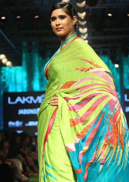 بهترین لباس ها در هفته مد,بهترین طراحی های لباس گوری خان