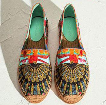 مدل کفش دخترانه دولچه و گابانا,کفش اسپرت بهار 2015