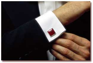 دکمه سر آستین از اصول لباس های رسمی