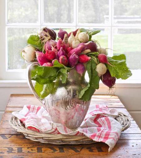 چیدمان گل های بهاری در دکوراسیون خانه,تزیین خانه با گل های طبیعی بهاری
