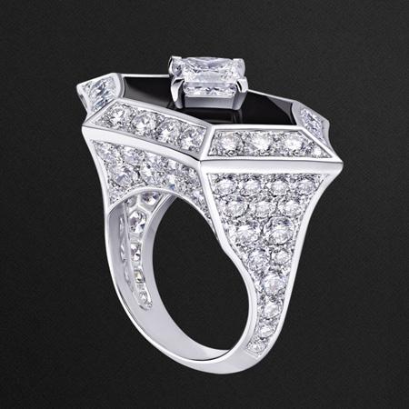 گوشواره های جواهر Louis Vuitton, طلا و جواهرات Louis Vuitton