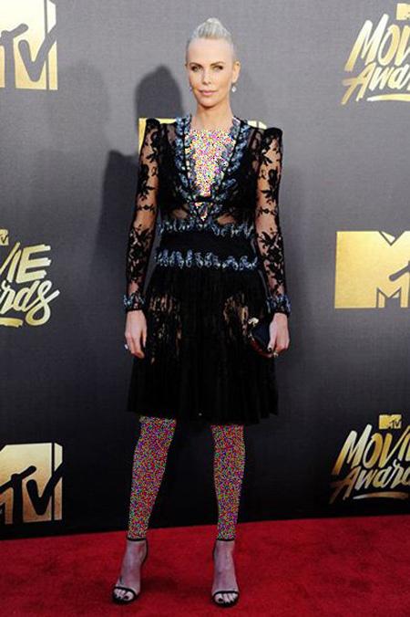 بهترین و بدترین لباس ها در جایزه فیلم ام تی وی, بهترین لباس ستاره ها در جایزه فیلم ام تی وی