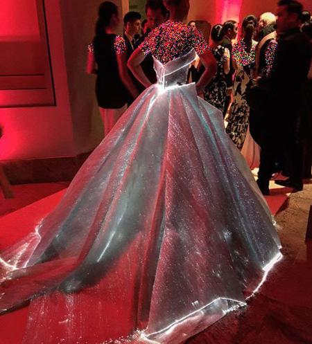 مدل لباس کلیر دینز در مراسم 2016 Met Gala, جالب ترین لباس در مراسم مت گالا 2016