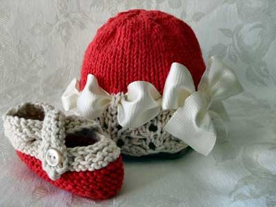 کلاه و کفش بافتنی