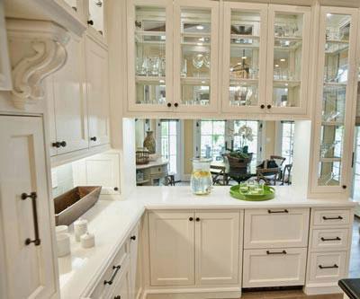 8 روش زیبا برای بکار بردن شیشه در کابینت آشپزخانه