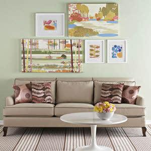 آثار هنری را بالای کاناپه نصب کنید