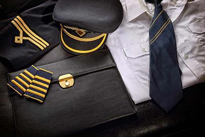 لباس فرم خلبانی مسافربری, ویژگی لباس فرم خلبانی مسافربری