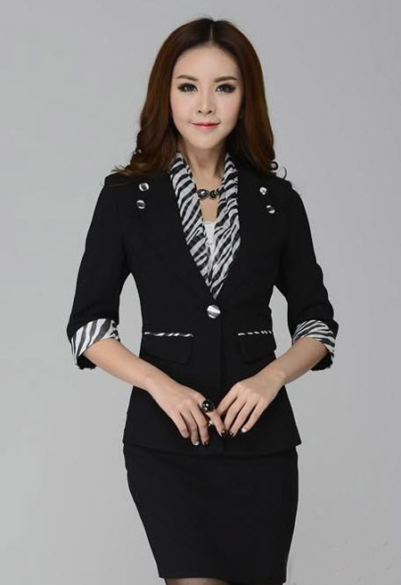 [تصویر:  stylish-skirt-suits1-e11.jpg]