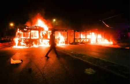 عکسهای جالب,عکسهای جذاب,آتش زدن اتوبوس