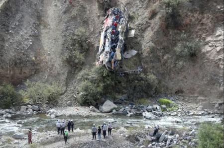عکسهای جالب,عکسهای جذاب,سقوط مرگبار اتوبوس