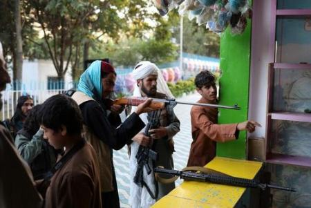 عکسهای جالب,عکسهای جذاب,طالبان در شهربازی