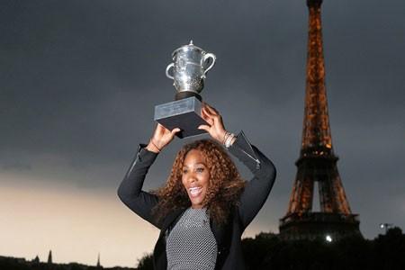 سرنا ویلیامز، تنیس باز آمریکایی توانست پیروز رقابت های تنیس بانوان لوران گاروس شود