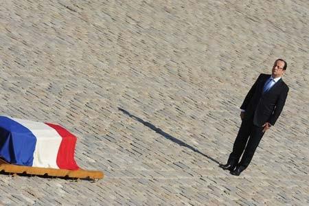 ادای احترام فرانسوا اولاند به یکی از قهرمانان دونده الجزایری تبار این کشور که در سن 92 سالگی درگذشته است
