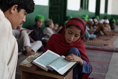 ماه مبارک رمضان و آموزش قرائت قرآن در مسجد- اسلام آباد، پاکستان