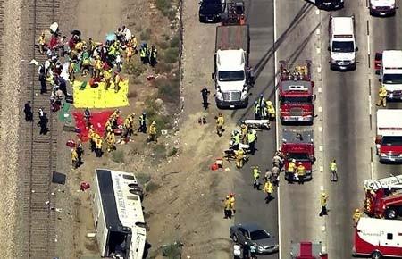 حادثه ای با 50 مجروح در کالیفرنیا، آمریکا