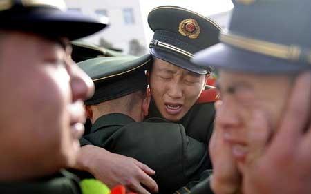 مراسم خداحافظی و اتمام دوره سربازی برای پلیس های پارلمان در تای یوآن چین