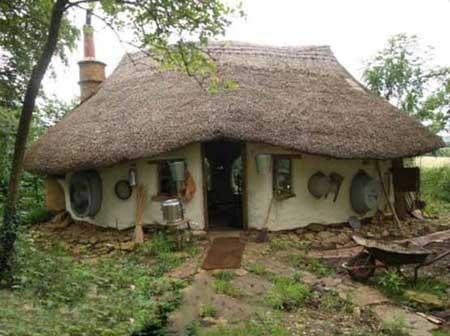 کلبه روستایی به سبک «هابیت ها» ، انگلیس