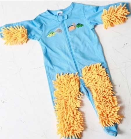 9302 4m17  تصاویر/ شوخی طراح لباس با کودک نو پا!