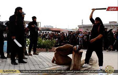 9309 10m3650  تصاویر جادوگری که به دام داعش افتاد