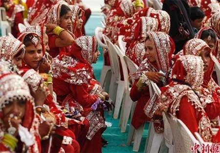 مراسم عروسی 191 زوج هندی