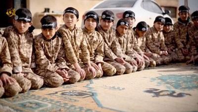 آموزش داعش به کودکان