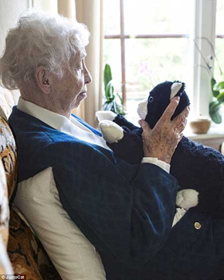 روبات اسباب بازی مخصوص درمان آلزایمر