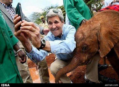 تصاویر سلفی آقای وزیر با بچه فیل