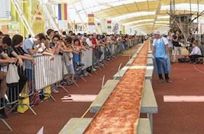 اخبار,اخبار گوناگون,پخت پیتزای یک و نیم کیلومتری در ایتالیا