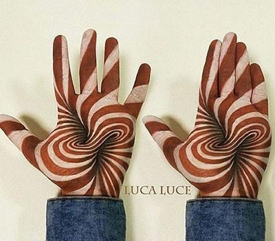 نقاشی های سه بعدی بر روی کف دست!