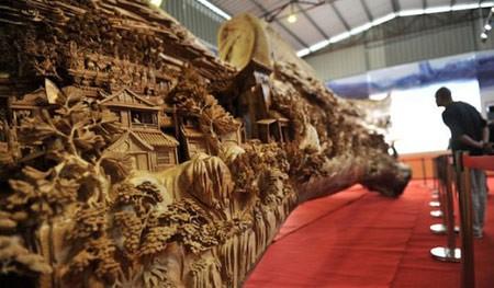 اخبار , اخبار گوناگون,طولانی ترین مجسمه چوبی,تصاویر طولانی ترین مجسمه چوبی