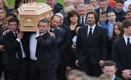 اخبار,اخبار فرهنگی,مراسم خاکسپاری نامزد  جیم کری