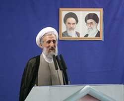 انتقاد خطیب نماز جمعه تهران از سخنرانی رییس جمهور در نمایشگاه مطبوعات