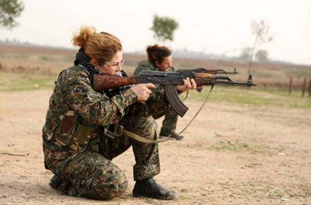 مبارزه زنان مسیحی علیه داعش (+تصاویر)