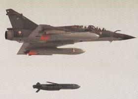 حمله فرانسه به داعش با موشکهای هوا به زمین