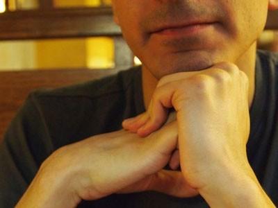 کشف راز صدای شکستن انگشت ها