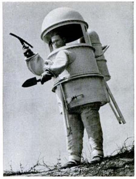 با عجیبترین لباسهای فضایی ناسا آشنا شوید