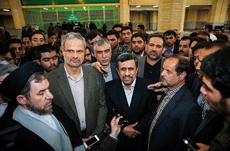 حضور وزرای احمدی نژاد در مرقد امام (ره)/ احمدی نژاد با بقایی آمد/سیدحسن خمینی از او استقبال نکرد