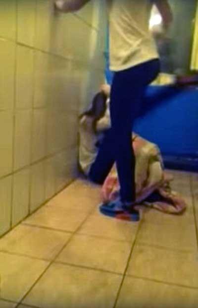 کتک زدن دختر نوجوان تا سرحد مرگ بخاطر زندگی در یتیمخانه + تصاویر 1
