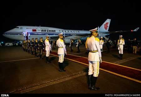 ورود رییس جمهور چین به تهران (گزارش تصویری)