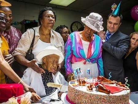 عکسهای جالب,تصاویر دیدنی,تولد پیرترین زن جهان