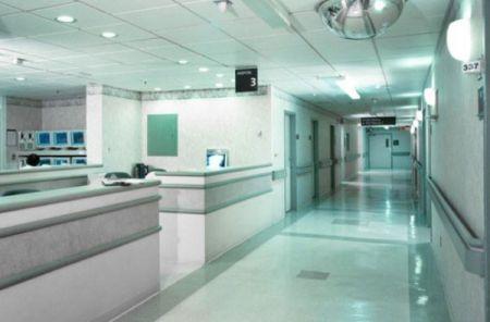 ماجرای زایمان روی زمین در بیمارستان کمالی کرج چیست؟