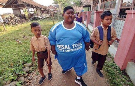اخبارگوناگون,خبرهای گوناگون,چاقترین پسر دنیا
