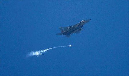 سرنگونی یک جنگنده و پهپاد اسرائیلی توسط ارتش سوریه/ رژیم صهیونیستی رد کرد