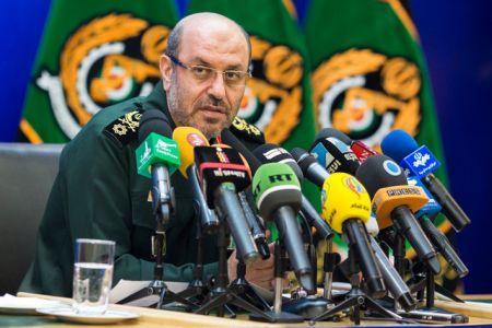 وزیر دفاع: هر ناو آمریکایی با ورود به حوزه آبی ایران قطعا اخطار خواهد گرفت