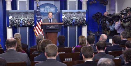 سخنگوی کاخ سفید: ترامپ به فلین بیاعتماد بود و از او خواست کنار رود/ مدیر سرویس مخفی کاخ سفید هم استعفا کرد