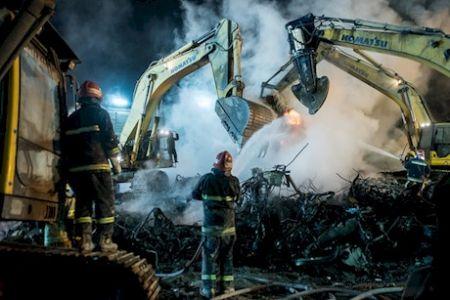 پسری برای نجات پدر به قلب آتش پلاسکو زد